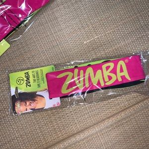 Two Ways to Tame it Headbands 2 Pack Zumba NEW